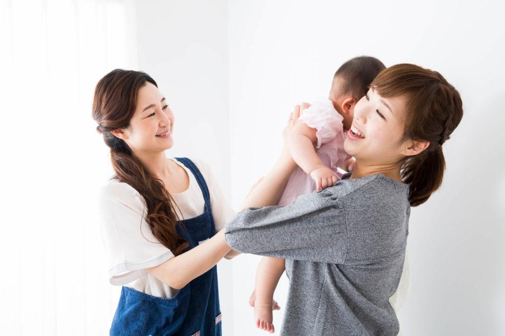 パートと在宅ワーク、乳幼児をもつ主婦の働き方徹底比較