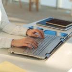 あなたはどっち?webライターは在宅ワーク・アルバイトの両方の選択肢がある