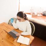 自宅で仕事をしてお金を稼げる?仕事を選ぶ基準や在宅ワークを選ぶべき人とは