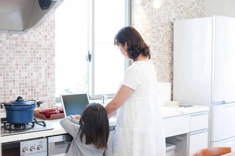 在宅で働く主婦が増えるわけとは?空いた時間にしっかり稼ぐ